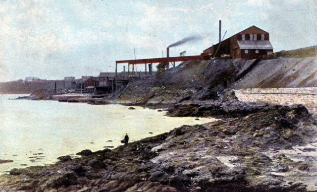 The Abden Shipyard 1905 - the gantry built from the Tay Bridge can be seen.